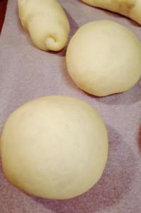 2次発酵後、パン生地はふっくら膨らみます