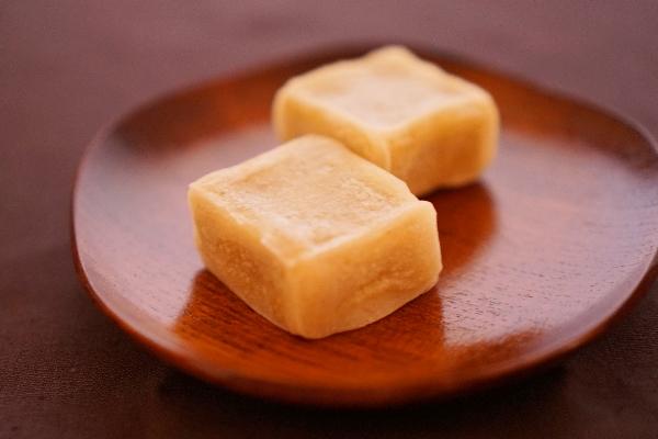 栗 の 甘露煮 を 使っ た レシピ